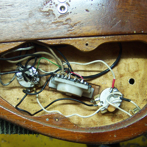 old wiring of the electric guitar
