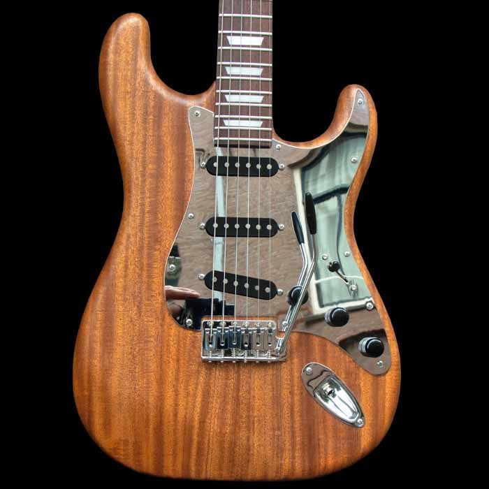 #68 stratocaster met mahonie body voorkant