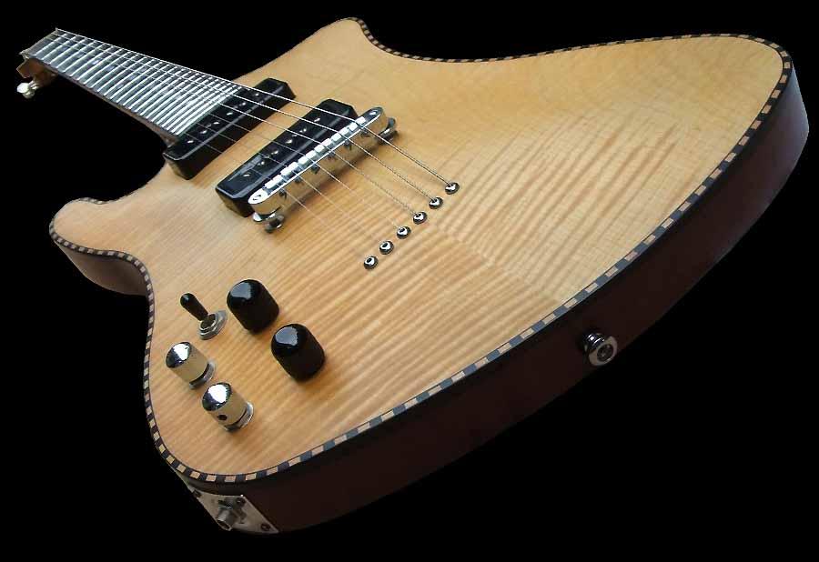 # 7 prototype elektrische gitaar linkshandig body schuin