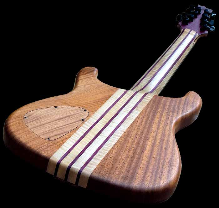 #74 baritone gitaar 8-snarig body achterkant schuin