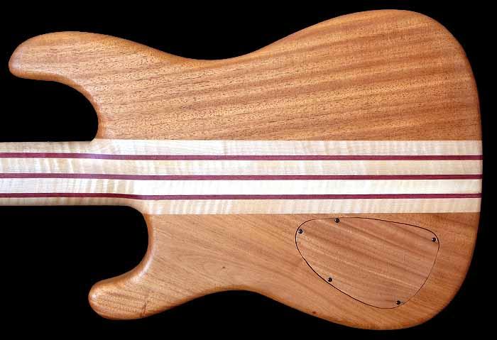 #74 baritone gitaar 8-snarig body achterkant
