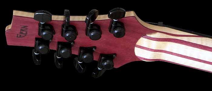 #74 baritone gitaar 8-snarig kop achterkant