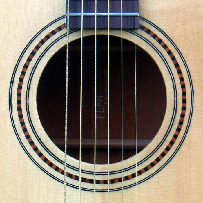 D-style akoestische gitaar klankgat